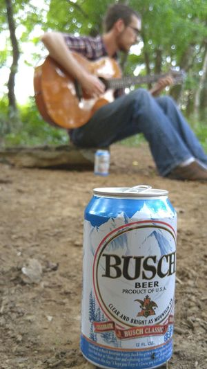 Busch Buschbeer Guitar Guitarist Nature Beer Outdoors LG G4