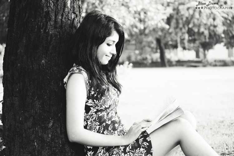 Writing fiction is the act of weaving a series of lie to arrive at a greater truth ! Natural Beauty Eye Em Gallery Hello World Check This Out Blackandwhite Bestfriend Bestshot Potrait Photoshoot Reading A Book Novel EyeEm Gallery Relaxing EyeEm Best Shots Potrait Of A Friend Potraits Bluedawnphotography
