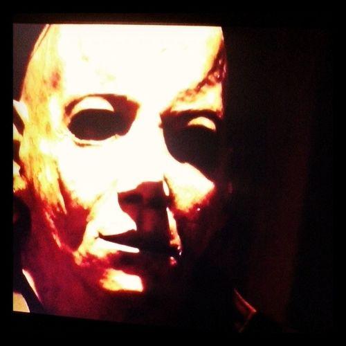 """Assistindo um dos melhores filmes """"Halloween VI"""",Michael Myers com o Meu Maridão Lindoooooo..... Perfecthalloween"""