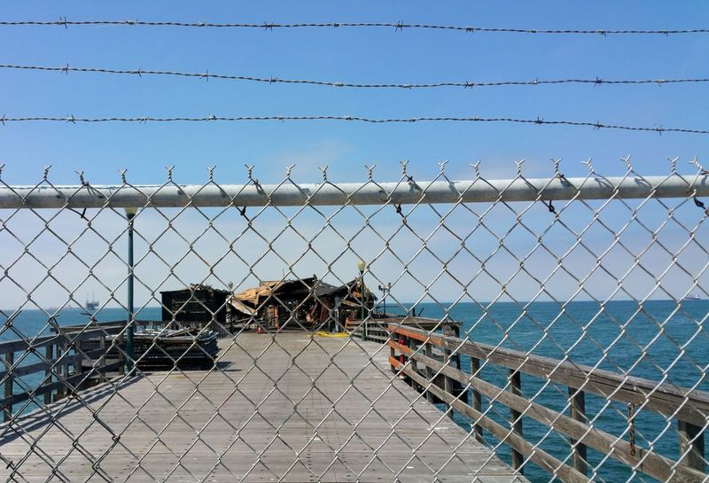 Fire Old Restaurant Burned Wire Fence Barbed Wire Keep Out Dangerous Pier Pier Fire