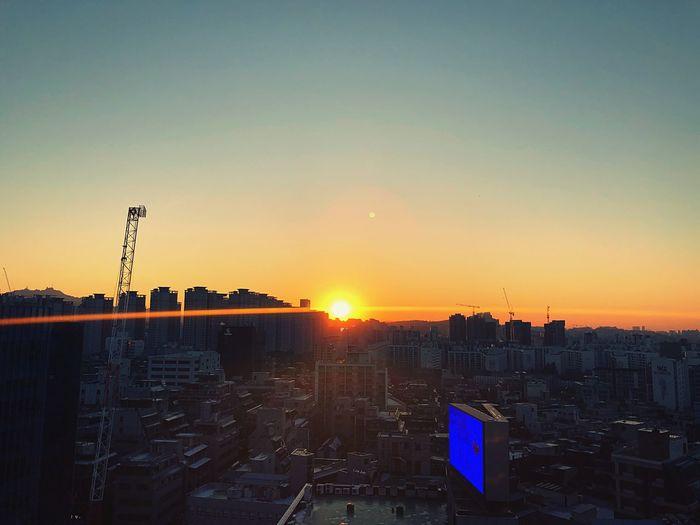 파워퇴근 IPhone IPhoneography Sunset Architecture Building Exterior Built Structure City Cityscape Clear Sky No People Sun Sky Skyscraper Outdoors Day Press For Progress