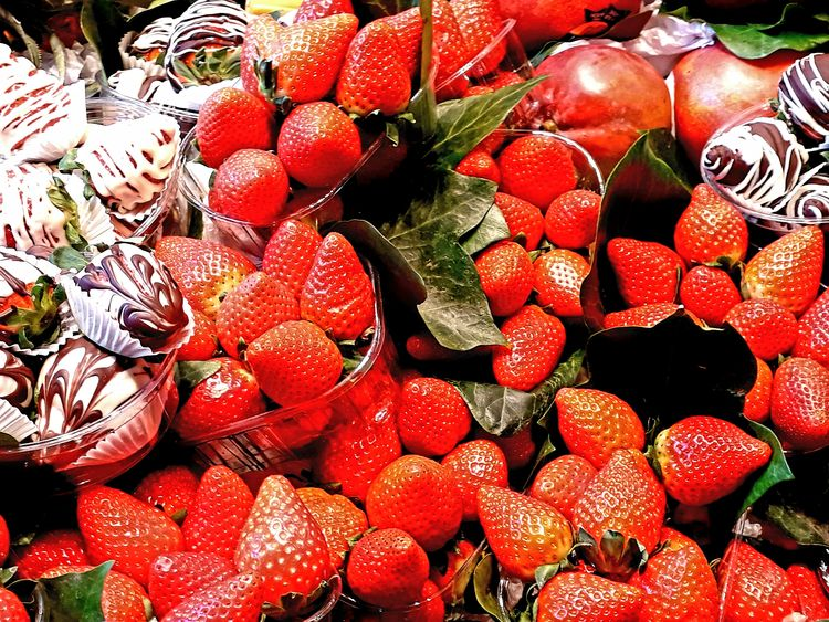 Red ❤ Strawberries Good Mercat De La Boqueria Barcelona, Spain Red Color Eyemcolorphotos Full Frame Abundance Large Group Of Objects No People Backgrounds Red Fruit Food Outdoors