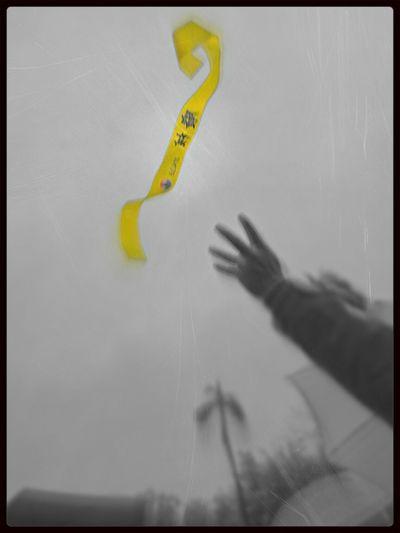 -6÷4 !!!!! 我們不適核。 Nuclear Go Zero Peace And Love A Little Touch Of Color Streetphotography 減少6%電費,廢除核四。