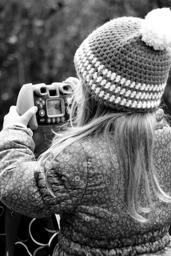 Daughter Erste Schritte First Steps Fotografieren Gotcha Outdoors Photographing Real People Tochter Women Who Inspire You