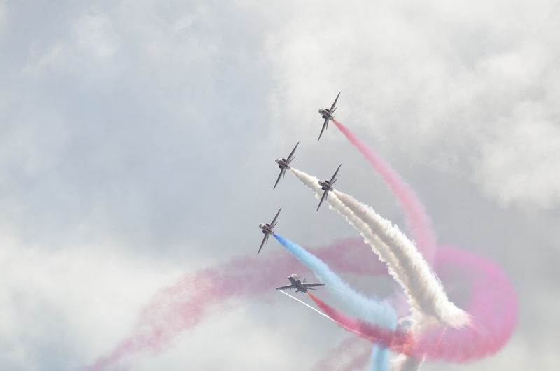 Airshow Teamwork Vapor Trail Smoke - Physical Structure Speed Airplane Flying Transportation Fighter Plane Motion Sky Cooperation Mode Of Transport Aerobatics Air Vehicle Military Airplane Skill  Performance Formation Flying Stunt no filter nikon