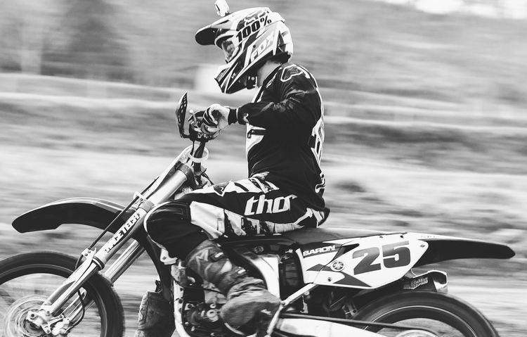 Motocross Moto Motorsport Motorbike Motorcycles Yamaha Fox Alpinestar Fotografia Fotography Fotografie Fotografiaamadora Pretoebranco Preto & Branco Blackandwhite Black & White