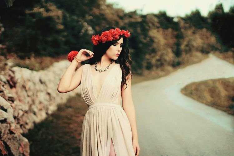 Flower Beauty Summer Fashion Nature Fashion Model Beauty In Nature Arts Culture And Entertainment SWAG ♥ SexyGirl.♥ Adults Only One Young Woman Only Full Length Human Body Part Selfie ✌ Bride Sexy♡ Studio Shot Beautiful Woman Looking At Camera First Eyeem Photo Sexyselfie Only Women Wedding Dress Young Women