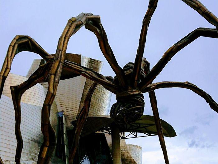 Bilbao Gugenhain Museum Araña Gugenhain Sky