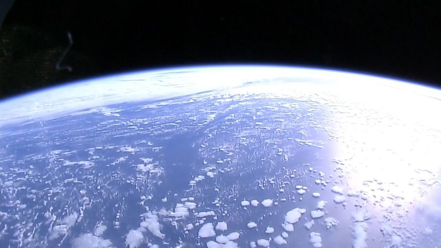 unsere erde von der iss aus fotografiert Erde Earth Weltraum Weltall Orbit Space And Universe Satellite View Planet Earth Space Astronomy Illuminated Futuristic Water Blue Planet - Space Sky Space Exploration Space Travel Vehicle Globular Star Cluster Space Suit Orbiting Solar System Astronaut Meteorology Globe - Man Made Object Star Trail Planetary Moon