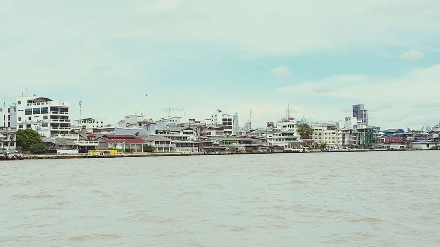 Riverside Ontheferry River