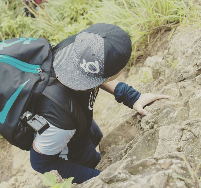 When I had the chance to climb a mountain. That's one of the highlights of my 2016. 😍😁😄 One Person Adventure Leisure Activity Hiking Vacations Outdoors Day Nature Real People People Discovery One Man Only Casual Clothing Adults Only Adult Men My Year My View