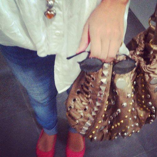 Casual Wednesdays are casual. Acreditación para @dominicanamoda Ootd Casual Thesillyfashionista Fashionblogger