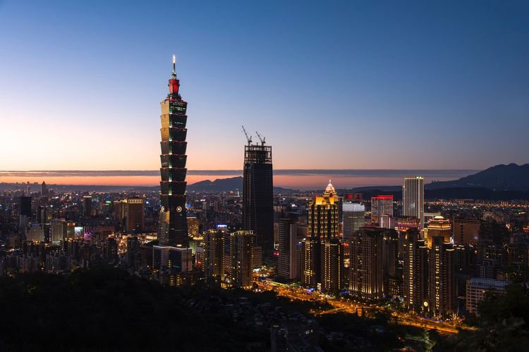 Night of Taipei Taipei City City Life Cityscape Cityscapes Landscape Landscape_Collection Landscape_photography Sunset Sunset_collection Colors Night Nightphotography Night Lights Light Nightlife Urban Urban Landscape Tower Building Exterior Building Photographer Taking Photos Picoftheday Capture The Moment