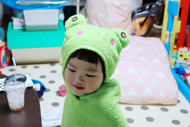 Indoors  Cute Playing Green Color Close-up Baby Lovely Photo Snap Frog Son Shower Towel Beach Towels Croak