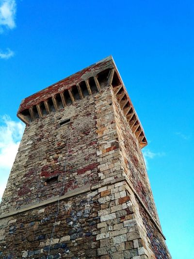 Tower Torre Mattoni Bricks Brick Wall Sky Tower And Sky Sky And Clouds Cielo Old Tower Vecchia Torre Hello World EyeEm Best Shots EyeEm Nature Lover EyeEm Gallery BuildingTorretta EyeEm Best Edits EyeEm Buildings Old Bricks Brick Blue Sky Cielo Blu Architecture Tuscany