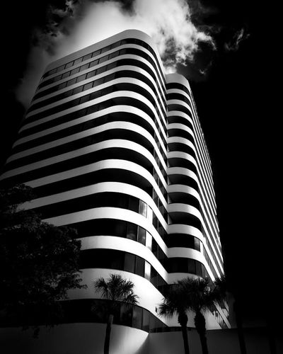 High Contrast Glow Architecture_bw