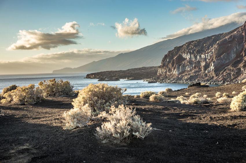 2016_02_ElHierro_ES 43 Golden Moments Bahía De Naos Canary Islands Desert El Hierro Faro De Orchilla Landscape Landscape_Collection Landscape_photography Lava Lighthouse Sunset The OO Mission Volcano