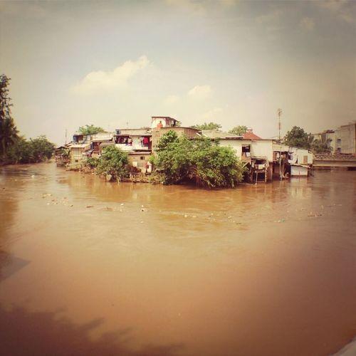 Banjir Itu Pun Datang Lagi