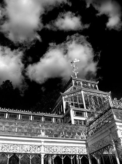 Hornimanmuseum London Architecture Light And Dark Black And White