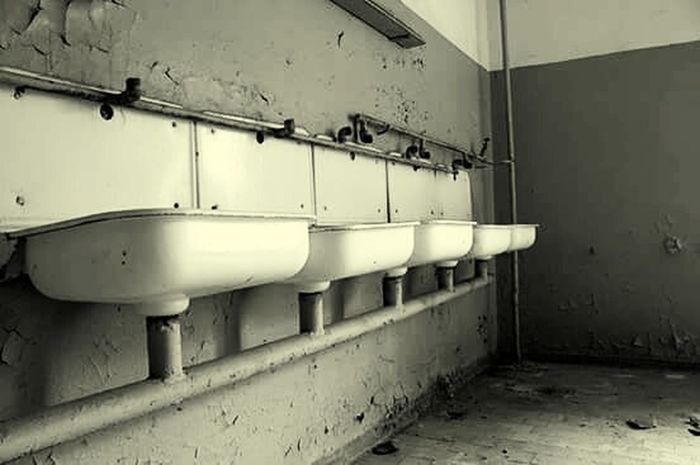 #sinks Weathered Abandoned Sinks Decay Close-up Day