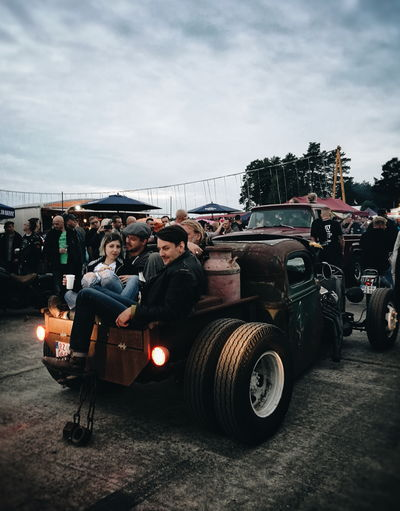 Transportation Adults Only Adult Outdoors Candid Portraits Candid Photography Race61 Festival US Cars Classic Car Rockabella Rockabilly Candid RatRod Roadrunners Paradies Rock'n'Roll People Streetphotography Streetphoto_color Let's Go. Together. EyeEm Selects Summer Exploratorium The Street Photographer - 2018 EyeEm Awards