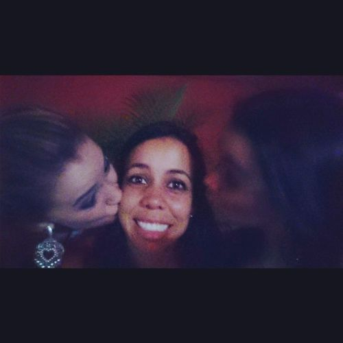 Beja euuuu me bejaaaaa!! A gente beijouuuu !! Muahhhhh Kisses Plima Buchecha Aperta  kissesdownlow kissesforyou kissesforfamily