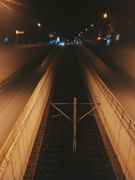 Taking Photos Mobilephotography Streetphotography Trainway Orange Vscocam Vscoturkey Snapseed Open Edit 📷