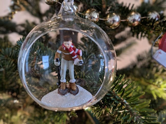 Christmas Baubel Xmas Xmas Decorations Christmas Tree Christmas Tree Christmas Ornament One Person Reflection Tree Full Length Tradition Arts Culture And Entertainment People Christmas