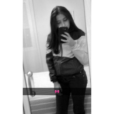 Flowers in my head, demons in my heart.🍥😈🌻
