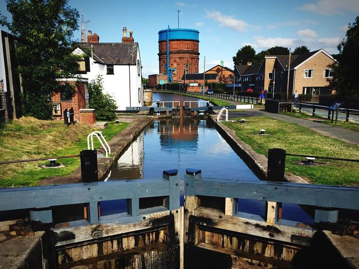 Cheshire canals always look rather scenic in the sun ☀️ Chester Boughton Hoole Canal Lockgate Waterway Watertower Taking Photos