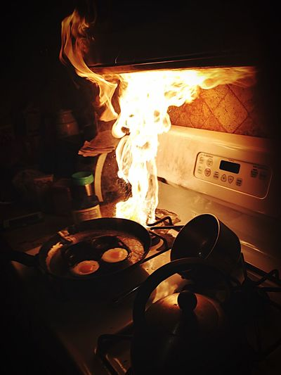 Sunny side up Fire Kitchen Cooking Burn