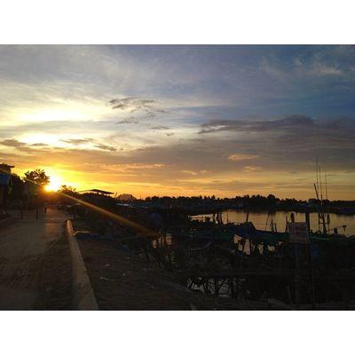 Sunset Sun Sea Sky Boat Thailand Beautiful Thaionly