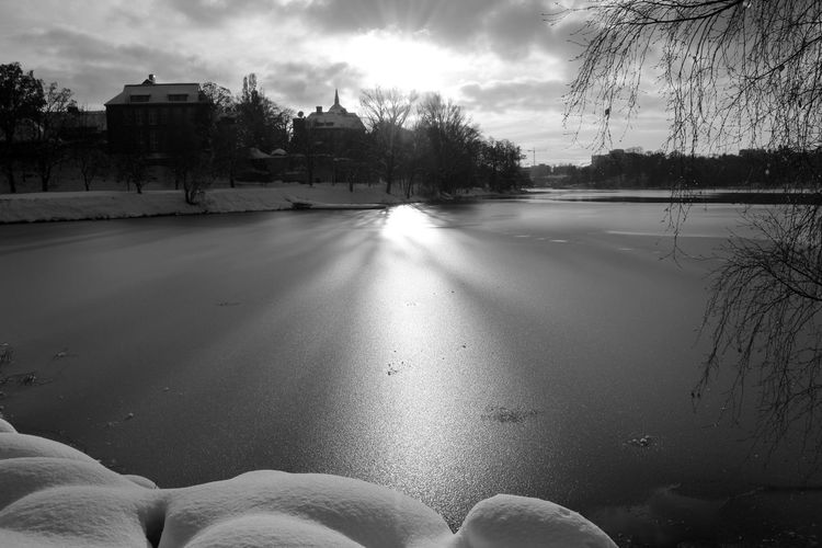 Architecture Lovely view Over the lake Lovely Day 12daysofeyeem Building Exterior Cold Temperature Day EyeEm Gallery EyeEmBestPics Ice Monochrome Photography Nature Nature Nature_collection No People Outdoors Sky Snow Snow Day Sunlight Tree Trees And Sky Water Water Reflections Water_collection Waterfront