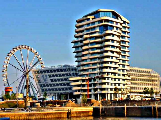 City Building Exterior Architecture Ferris Wheel Built Structure Travel Destinations Skyscraper Urban Skyline No People Picoftheday Eye4photography  Epic Shot Photography Awesome_shots EyeEm Best Shots Close-up Photooftheday Silhouette Marco Polo Tower Hamburg Hamburgerecken Architecture Architecture_collection Architecturelovers Eye Em Nature Lover Nature Photography