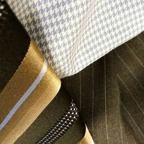 Today's satorial wisdom brings diagonals on checks on stripes. Does it work? Riskyfashion Wouldyouwearit
