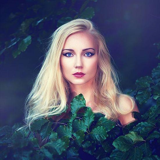 Portrait Fineart BlueEyes Beauty Nature Strobist Godox Ad180 Onelight Onlocation Hairandmakeup  Portraitsbydebray
