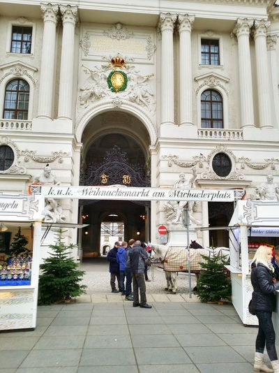 Happy Christmas time to all my friends here from Vienna Austria All time Architecture and Streetphotography for your entertainment!