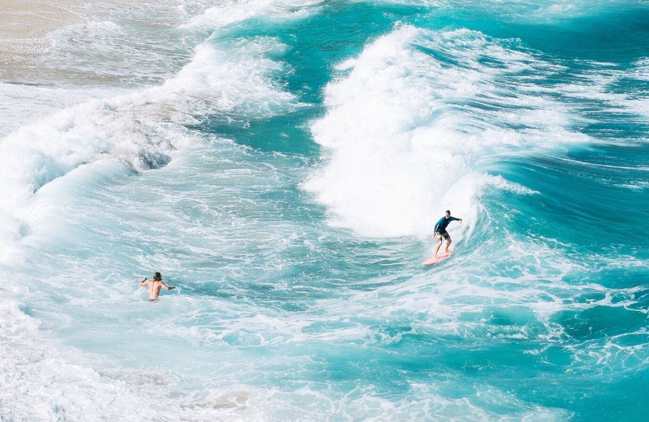 WAVES SURFING IN SEA