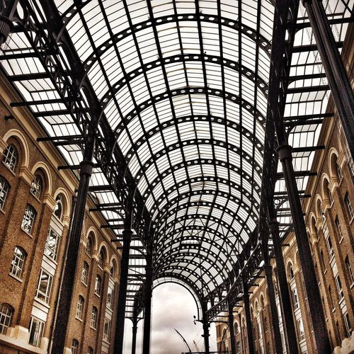 Arch Architecture Built Structure City Exploring IPhoneography London Low Angle View Myunseencity Newcity Travel