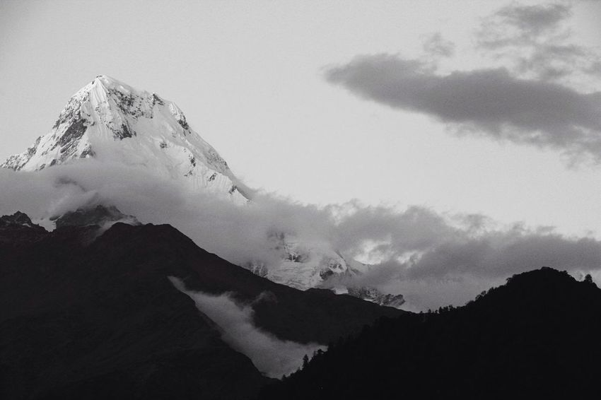 Mountain And Clouds Mountain Mountain View Nepal Mountains And Sky Nepal #travel Annapurna Blackandwhite Black And White Photography My Favorite Photo Nopeople Check This Out The Great Outdoors - 2016 EyeEm Awards The Great Outdoors - 2017 EyeEm Awards