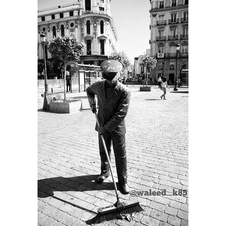 Statue at Plaza Jacinto Benavente . Near the plazamayor plaza_mayor. Madrid spain españa Taken by my sonyalpha dslr a200 Taken in my 2010 summer trip. مدريد اسبانيا تمثال