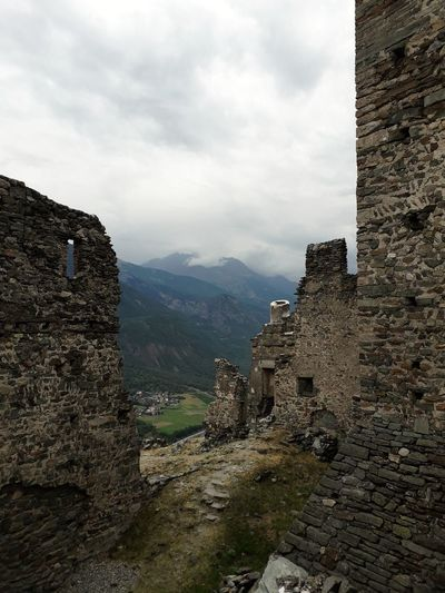 Manor Cly Mountain Ancient Civilization History Architecture Sky Built Structure Fort Medieval Archaeology Ancient History Castle Fortified Wall Old Ruin Fortress Ancient