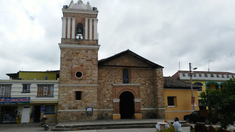 Iglesia Iglesia Siachoque Pueblo Pueblomagico Iglesias Clock Architecture Clock Tower Business Finance And Industry Place Of Worship No People Time Building Exterior Outdoors Clock Face Day Sky Astronomy Astronomical Clock