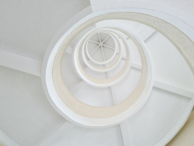 Railing Steps And Staircases Steps Staircase Spiral Staircase Spiral Indoors  Built Structure High Angle View Architecture Design Spiral Stairs Circle Directly Below Coil Concentric Building Story Bannister Repetition Vanishing Point Minimalist Architecture