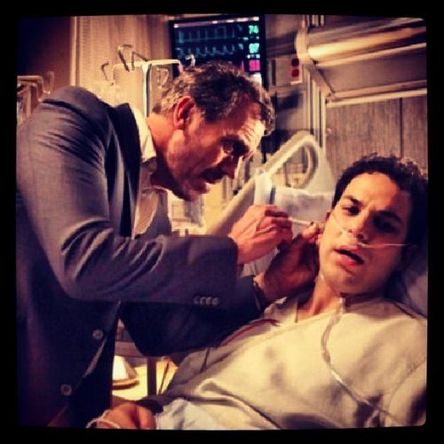 """So just got done watching the Episode of House """"Holding On"""". Oh my god this episode made me tear up so many times truly sad. Really sums up the searies! Hous Hughlauroe Hugh Laurie skylarastin final season sad amazing show"""