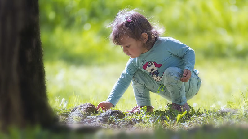 Casual Clothing Childhood Color Cute Day Field Focus On Foreground Grass Grassy Growth Leisure Activity Lifestyles Light And Shadow Nature Outdoors Person Picoftheday Plant Portrait Selective Focus