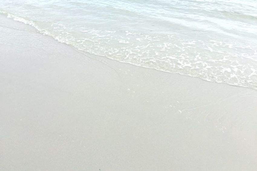 Wave Beach Sea White Beach White Sand Little Waves Clean Relaxing Vocation Traveling Nature Minimalism Silent People Of The Oceans Backgrounds