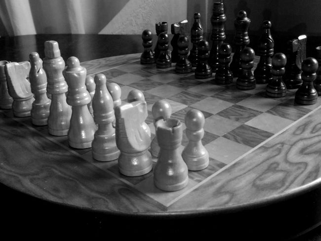 Chess Chess Board Strategy Chess Piece Leisure Games Pawn - Chess Piece Queen - Chess Piece Challenge Competition King - Chess Piece Board Game Large Group Of Objects Teamwork Knight - Chess Piece Indoors  No People