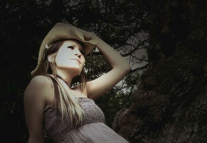 Person Young Adult Tree Beauty Long Hair Eye Of Ky Louisiana People And Places Oak Trees Mossy Oaks Lovely Louisiana Nature Outdoors