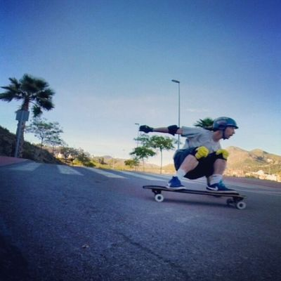 Malakahill Downhillskateboarding Freeride Crew Predator Gform Nike Raynevandal Thesewheels Triple Eight Caliber